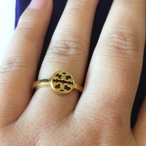 NEW Tory Burch Gold Logo ring size 7